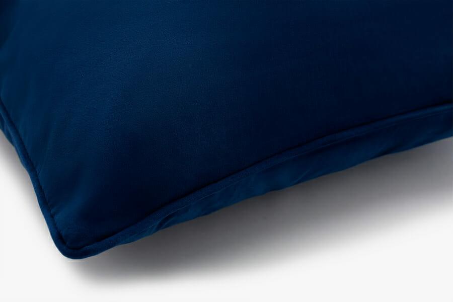 Eden velvet pillow - blue
