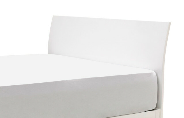 Sunrise bed with headrest diagonal view