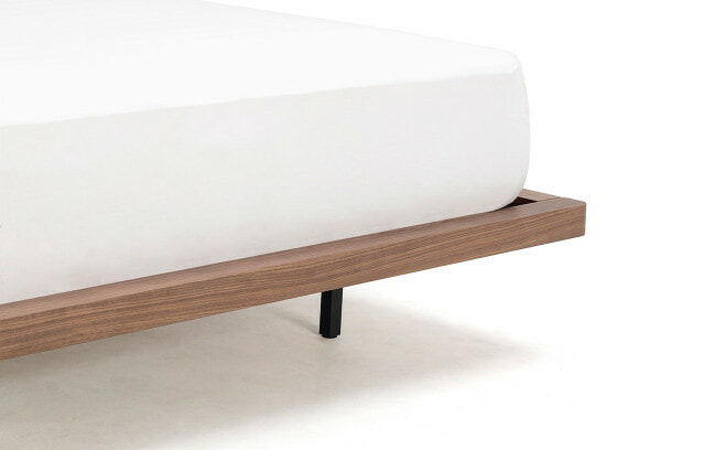 Sunset bed leg