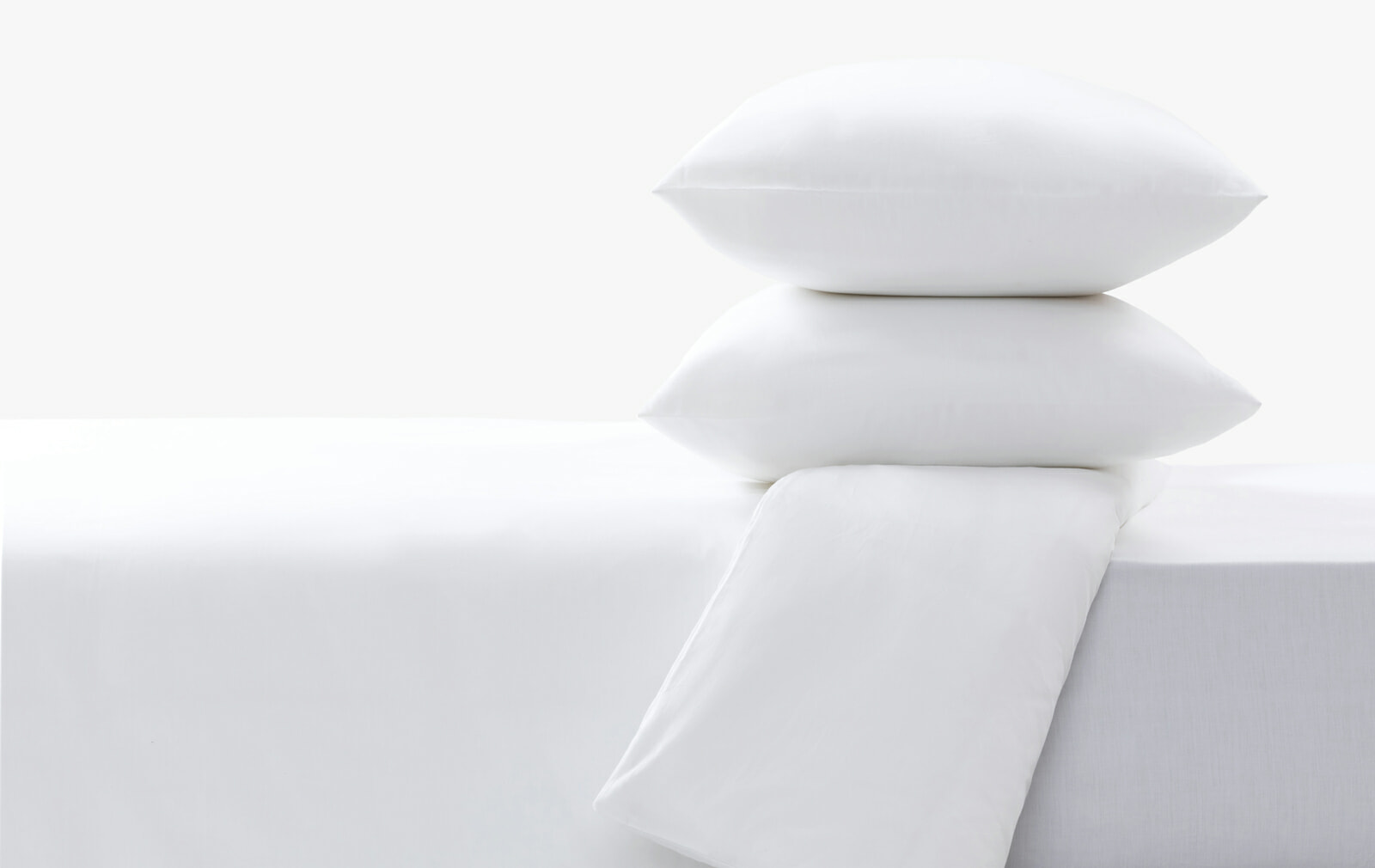 Cotton sateen white fitted sheet